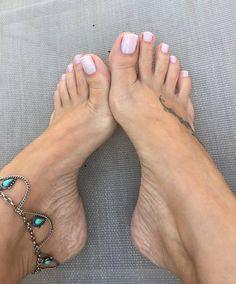 Karin-Klemp-Feet-2728214.jpg (1080×1302)