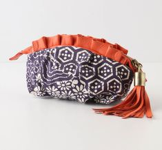 How to make a zipper pouch inspired by this one!! AWESOME