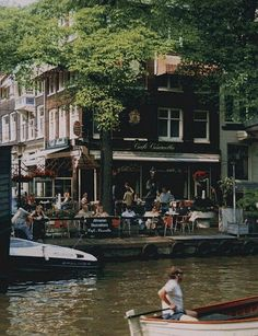 This looks like Amsterdam, the Netherlands, but I'm not sure about this particular spot. Places To Travel, Places To See, Travel Destinations, Beautiful World, Beautiful Places, Amazing Places, Croquis Architecture, I Amsterdam, Amsterdam Canals