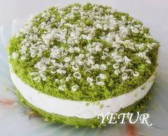 yetur'la lezzet kareleri: muz aromalı ıspanaklı yaş pasta