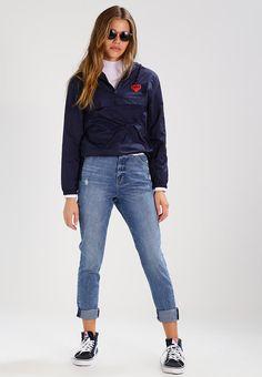 ¡Consigue este tipo de chaqueta básica de Obey Clothing ahora! Haz clic para ver los detalles. Envíos gratis a toda España. Obey Clothing LONELY HEARTS Cortaviento deep navy: Obey Clothing LONELY HEARTS Cortaviento deep navy Ropa   | Material exterior: 100% nylon | Ropa ¡Haz tu pedido   y disfruta de gastos de enví-o gratuitos! (chaqueta básica, basic, basico, basica, básico, basicos, casual, clasica, clasicas, clásicas, clásica, básicos, básica, basic jacke, chamarra básica, ves...