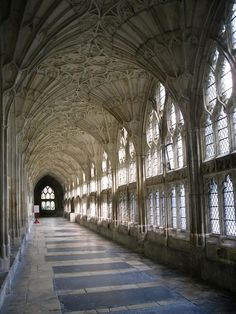 Beautiful architecture: Cloisters at Gloucester Cathedral, England. Gothic Architecture, Historical Architecture, Beautiful Architecture, Beautiful Buildings, Architecture Details, Beautiful Places, Ancient Architecture, Gloucester Cathedral, Temple