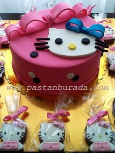 hello kitty pasta cake