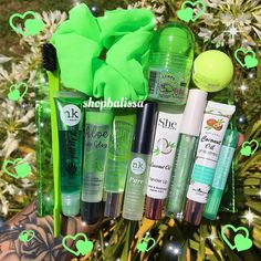 Plug Makeup Og ב Skipuleggjari Lip Care, Body Care, Gloss Labial, Glitter Lip Gloss, Lipgloss, Lipstick, Lip Oil, Birthday Month, Birthday Parties