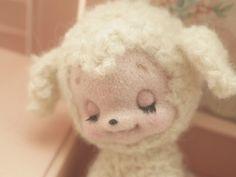 From Wool Felt Production Diary, Japan Needle Felted Animals, Felt Animals, Needle Felting, Cute Animals, Wool Dolls, Plush Dolls, Kitsch, Hello Kitty, Cute Stuffed Animals