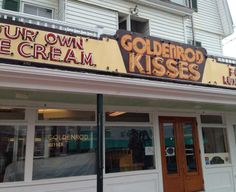 The Goldenrod, salt water taffy candy kisses, York Beach, Maine