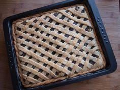 Tvarohovo-makový mřížkový koláč - Avec Plaisir Apple Pie, Bread, Desserts, Food, Mascarpone, Postres, Deserts, Apple Pies, Breads