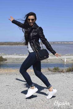 Look con zapatillas blancas.  #look #outfit #fashion #blogger #style #alicante @JustFabES
