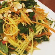 Home but doesn't mean I can't whip together a green mango salad 😉 Healthy Habits, Healthy Recipes, Drink Recipes, Healthy Meals, Healthy Food, Frugal Meals, Easy Meals, Thanksgiving Recipes, Holiday Recipes