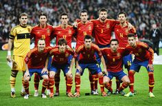 Spain National Football Team, Spain Football, Spain Soccer, Uefa Football, Team Wallpaper, Football Wallpaper, Brazil Wallpaper, Girl Wallpaper, World Cup Winners