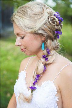 braided wedding hair with purple flowers | bohemian bridal look | #weddingchicks