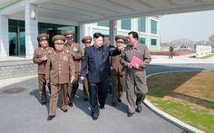 """2013 - 8 de mayo: Corea del Norte dice que convertirá islas surcoreanas """"en un mar de llamas"""" Seúl (EFE). El Ejército de Corea del Norte amenazó hoy con realizar """"contraataques inmediatos"""" si Estados Unidos y Corea del Sur violan su soberanía territorial durante el ejercicio militar que ambos llevan a cabo esta semana en aguas surcoreanas del Mar Amarillo.    """"Las unidades del Ejército Popular de Corea en el frente suroeste lanzarán contraataques inmediatos en caso de que un solo proyectil…"""