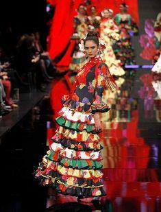SIMOF 2018: el desfile de Pilar Vera, en fotos / J.M. Serrano / Rocío Ruz Projects To Try, Flamenco Dresses, Dancing, Style, Pictures