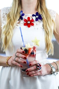 Sparkling Red, White and Blue Sangria Recipe. #4thofjuly