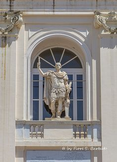 https://flic.kr/p/tU74Ek   San Leucio (CE), 2015,  Il Real Sito di San Leucio.   Wikipedia: San Leucio. Wikipedia: Belvedere di San Leucio. Wikipedia: Statuto di San Leucio.