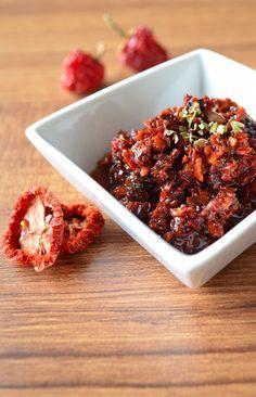 Sun-Dried Tomato Sauce | giverecipe.com | #tomato #sundried #sauce