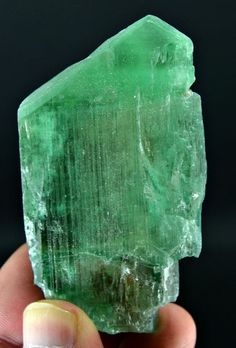 70 Grams Top Quality Well Termination V Shape Hiddanite Kunzite Crystal @ AFGH