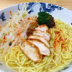 チャーシューなかったので、鶏で。 - 128件のもぐもぐ - 塩ラーメン by akubisamurai
