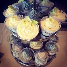 Shabby Chic themed Wedding Cupcakes