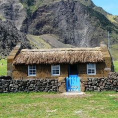 Edinburgh of the Seven Seas, Tristan da Cunha, Thatched House Museum, Hi Shirley, & the 303 other resident islanders   =^..^=