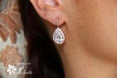Boucles d'oreilles mariage clous strass zircon et gouttes en cristal Swarovski, rose gold. Rose gold bridal teardrop earrings.