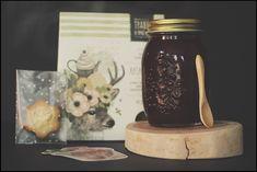 Набор с вареньем, чаем, печеньем, открыткой и деревянной ложечкой