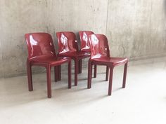 Set of Four Mid Century Vico Magistretti Selene Chairs for Artemide Mid Century Chair, Mid Century Furniture, Retro Furniture, Antique Furniture, Dining Room Chairs, Outdoor Chairs, Armchair, Antiques, Home Decor