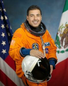 Jose Hernandez, Space Shuttle Discovery