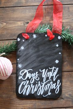 ❀ Days Until Christmas Chalkboard // Countdown Sign // Rustic Christmas Decor // @thepaperwalrus