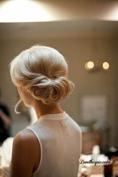 30 chignon Hairstyles wedding for Spring.The perfect hairstyle for brides or bridesmaids! sophisticated chignon,Classic Chignon,sleek chignon not messy,Messy Side Chignon Hairstyle Short Hair Updo, My Hairstyle, Short Hair Styles, Perfect Hairstyle, Hairstyle Ideas, Updos For Fine Hair, Upstyles For Short Hair, Bangs Ponytail, Curly Bun