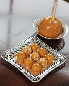 "Mini caramel ""apples"" made with Cape Gooseberries.  So darling, I must try."
