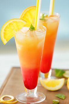 8 pysznych i prostych drinków na sylwestra! Liquor Drinks, Dessert Drinks, Cocktail Drinks, Cocktail Recipes, Alcoholic Drinks, Desserts, Raspberry Iced Tea, Breakfast Crepes, Drinks Alcohol Recipes