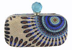 Clutch Étnica em tecido estampado e pedra cristal.