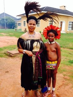 The King of Swaziland has 14 wives. Who are these women? African Tribal Girls, African Women, African Children, African Inspired Fashion, African Fashion, Africa Tribes, Amazon Tribe, African Royalty, Tribal People