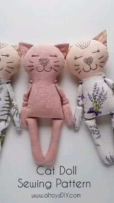 Fabric Crafts, Sewing Crafts, Sewing Projects, Sewing For Kids, Baby Sewing, Easy Sewing Patterns, Pattern Sewing, Handmade Stuffed Animals, Cat Doll