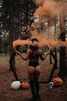 Budiour Photography, Horror Photography, Halloween Photography, Photoshoot Themes, Photoshoot Inspiration, Boudior Poses, Boudoir Photos, Photo Poses, Halloween Photos