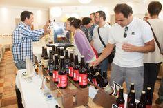 La cata de productos ecológicos fue la actividad estrella de la mañana que pasamos en Envero Granada con motivo de la Fiesta de la banca con valores.