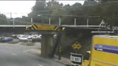 何十台ものトラックを破壊してきた、恐怖の高架橋(動画あり)