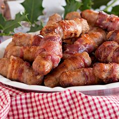 (chris' party) ~ British pork sausages wrapped in bacon ~ traditional side dish at Christmas ~ served with the turkey ~ Christmas Dinner Menu, Christmas Dishes, Christmas Cooking, Christmas Time, Holiday Recipes, Great Recipes, Sausage Wrap, Pork Sausages, English Christmas