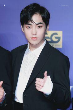 Xiumin - 171201 2017 Mnet Asian Music Awards in Hong Kong, red carpet Credit: Ice Tree.