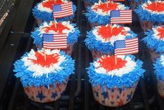 ❥ If cupcakes are on the menu, make sure you stick a little flag pick(found at party stores) in each one.