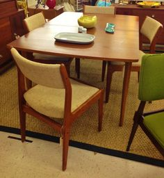 Dining room on pinterest mid century dining table for Dscan dining room set