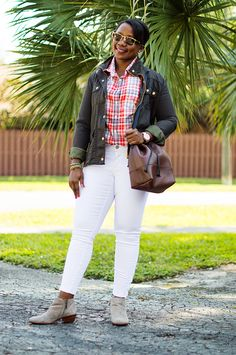Pairing plaid with white jeans for Fall