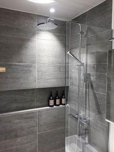 Renoveret badeværelse på Østerbro - Se alle 12 billeder af resultatet her! Mold In Bathroom, Diy Bathroom, Best Bathroom Vanities, Steam Showers Bathroom, Bathroom Layout, Modern Bathroom Design, Small Bathroom, Bath Design, Bathroom Designs