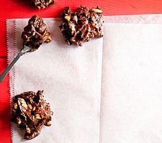 נשנושי בוטנים מלוחים בשוקולד (הגדל)