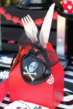 LAURA'S little PARTY: Pirate themed Valentine Party| Valentine Party Ideas