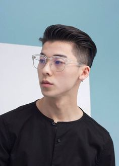 """Undercut please. The post How Did the Undercut Become the Douchiest Hairstyle for Singaporean Men? Asian Korean Hairstyles, Asian Men Hairstyle, Cool Hairstyles For Men, My Hairstyle, Hairstyles Haircuts, Haircuts For Men, Mens Haircuts Asian, Male Short Hairstyles, Men Hairstyle Short"