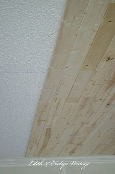 It's so easy to get rid of that ugly popcorn ceiling by covering it with wood planks! We're showing you how to plank a popcorn ceiling the easy way! Wood Plank Ceiling, Plank Walls, Wood Ceilings, Wood Planks, Wood Paneling, Wall Wood, Wood Walls, Paint Ceiling, Paneling Ideas