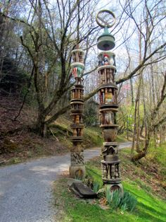 Totem poles at Arrowmont from the blog of artist Susan Lenz Art In Stitches