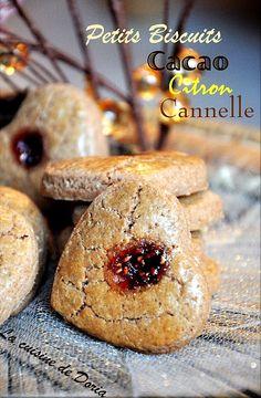 """""""Le linzer est un bredele de Noël qui puise sans doute son origine en Allemagne ou en Autriche."""" Ce n'est pas moi qui le dit mais Fabrice du blog La cuisine de Fabrice d'où je tire cette recette. Ce sont des petits biscuits délicieux et très parfumés,..."""